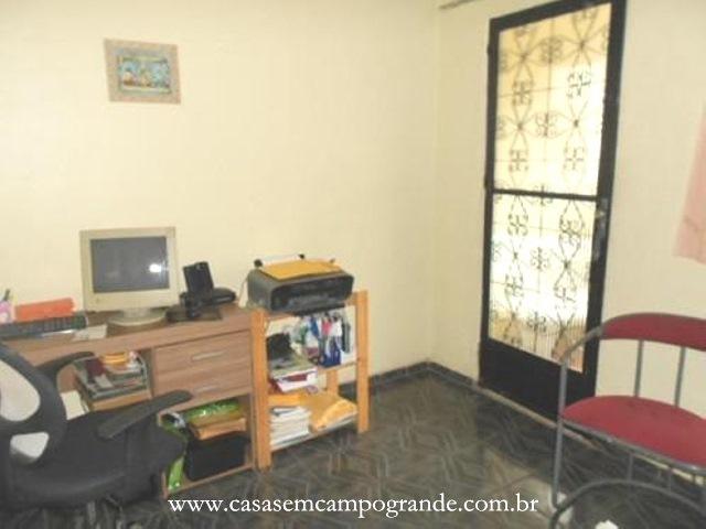 Campo Grande – São Jorge – Casa 2 Quartos (+ Anexo com 1 Quarto-Sala) – 110m2 – 1 Vaga – RGI
