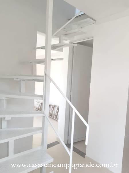 Campo Grande – São Jorge – Casa Duplex 2 Quartos Toda Reformada – Bem Localizada