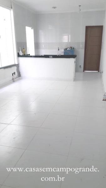 Campo Grande – Vila Jardim – Casa Linear Nova 2 Quartos/1 Suíte – 65m2 – 1 Vaga – Aceita Carta/FGTS