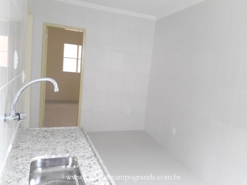 Campo Grande – Casa 2 Quartos – 90m2 – 1 Vaga – Toda Reformada – Atrás do West Shopping