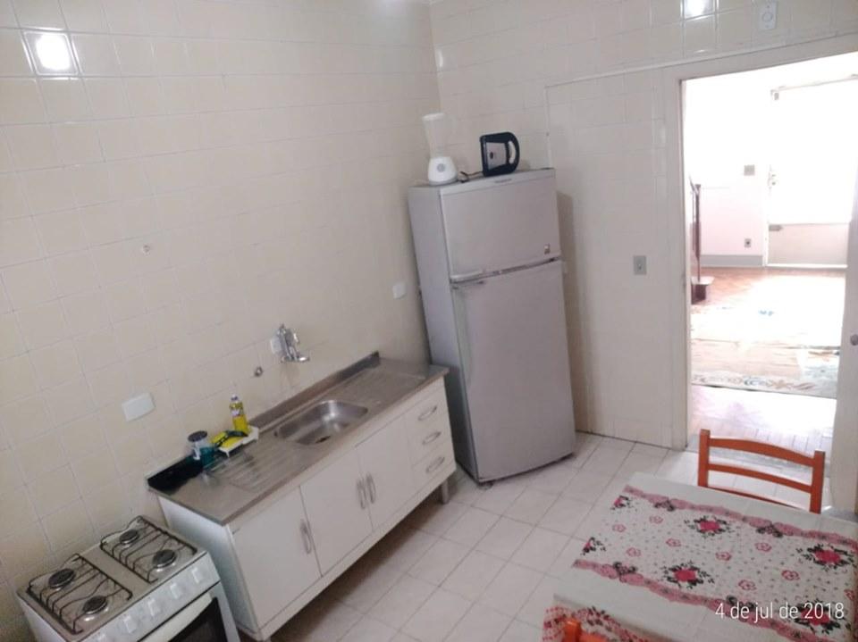 Hostel no bairro da Liberdade com vagas para moças e rapazes em quartos compartilhados