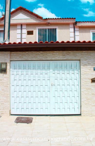 Campo Grande – Bairro Amazonas – Casa Reformada 2 Quartos – 90m2 – 2 Vagas – Aceita Carta/FGTS
