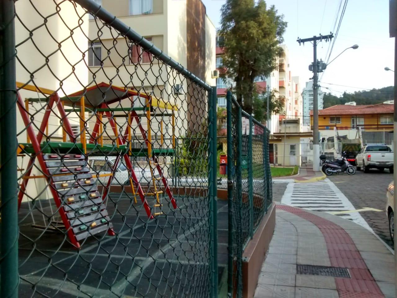 TrindadePróximo Shopping Iguatemi e UFSC, apartamento com 3 dormitórios