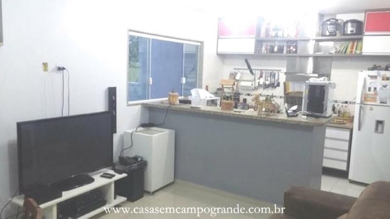 Campo Grande – Delcima – Casa Duplex 3 Quartos/2 Suítes – 150m2 – 2 Vagas – Aceita Carta/FGTS