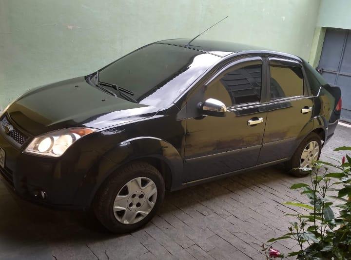 Vendo um Ford fiesta 2009