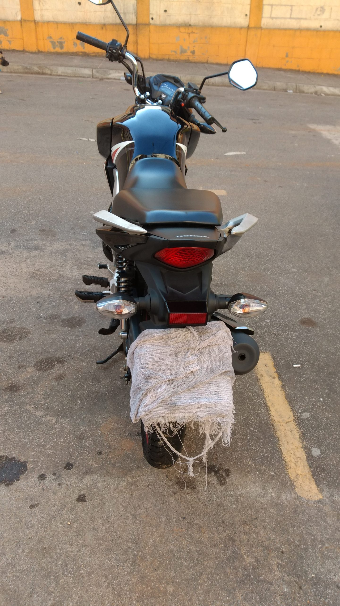 Moto  usada semi novo