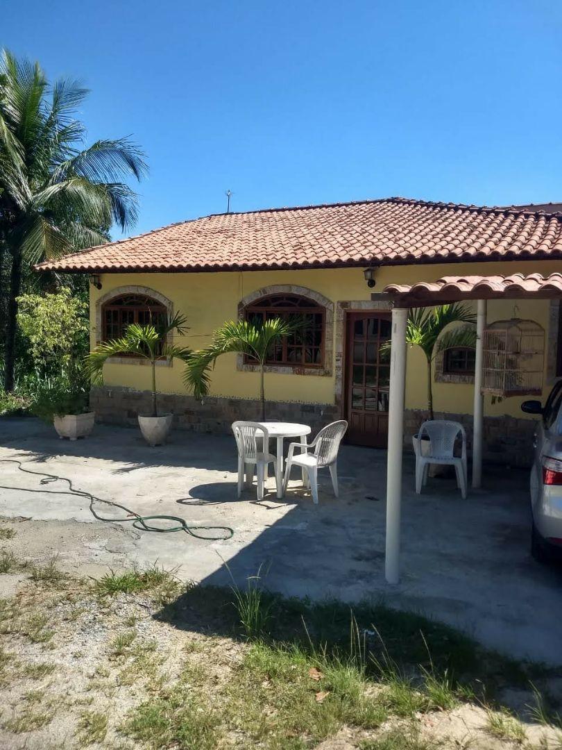 Casa na est.do cachamorra- rj