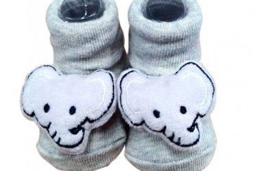 Pantufa Infantil com Chocalho Elefante Cinza Clingo